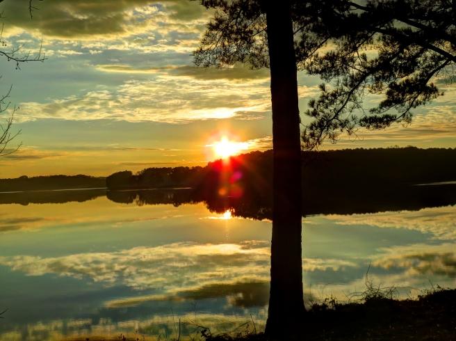 2014-HDR-Lake1